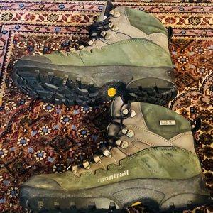 Hiking Boots, Size 8, Wm, Montrail, Waterproof.